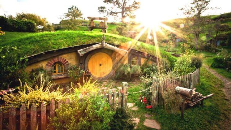 Pas cu Pas: Cum Să-ți Construiești Propria Căsuță de Hobbit (video) 2